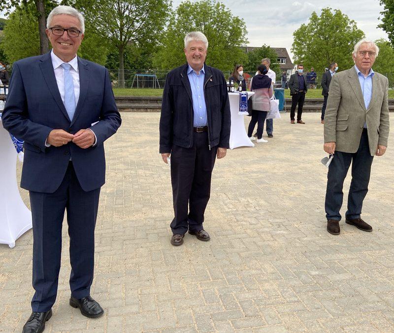 Innenminister Roger Lewentz (SPD) eröffnet neue Sportanlage Heimersheim